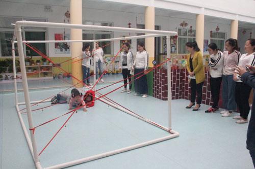 阳光幼儿园教师自制户外器械